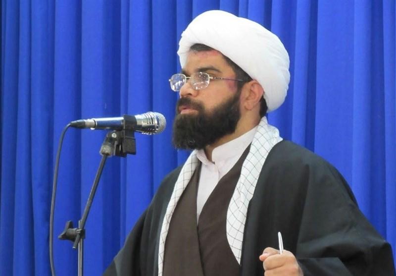 دانشجویان منطقه سیستان حمایت خود را از مواضع انقلابی امام جمعه زابل اعلام کردند