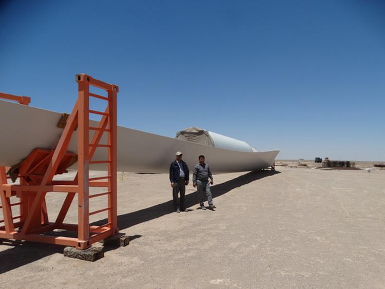 گزارش تصویری از روند استقرار توربین های بادی میل نادر