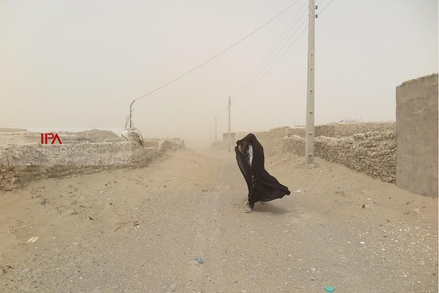 وزش باد با سرعت ۸۶ کیلومتر برساعت در سیستان