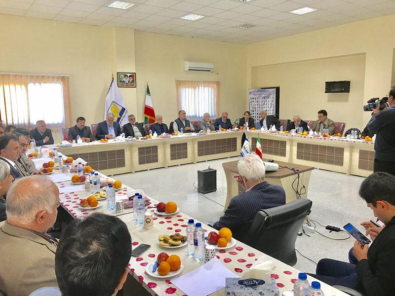 وزیر جهاد کشاورزی بر اجرای طرح های بیولوژیک برای مبارزه با ریزگردها و ماسه بادی ها در منطقه سیستان تأکید کرد